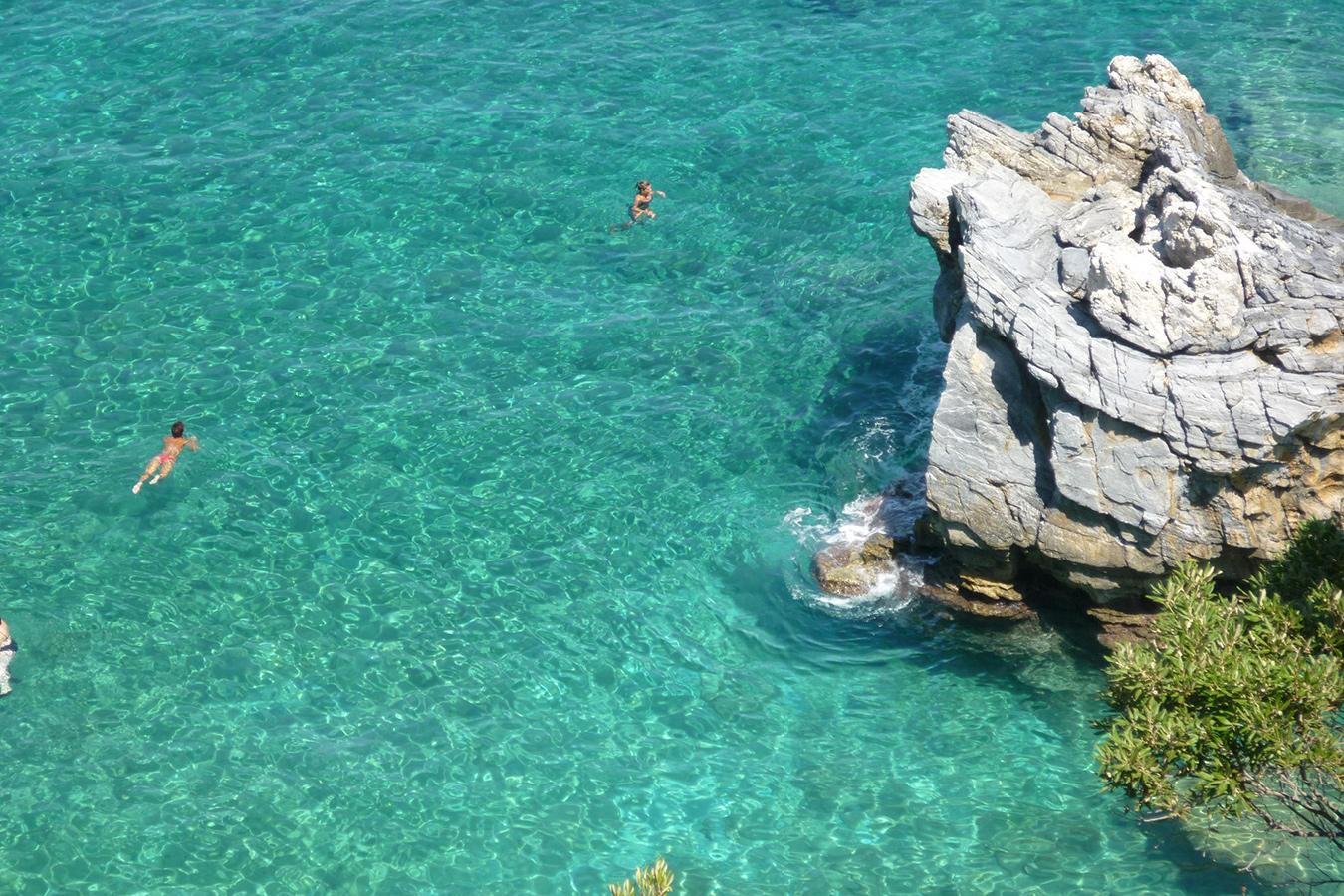Strand von Milapotamos im Nordosten (Ägäisseite)